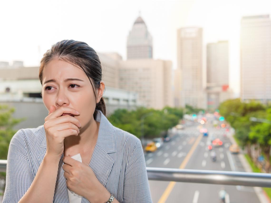 咳嗽超過「這個」天數,恐是肺癌、肺炎?醫師:身體嚴重求救,自己絕對要會判斷!