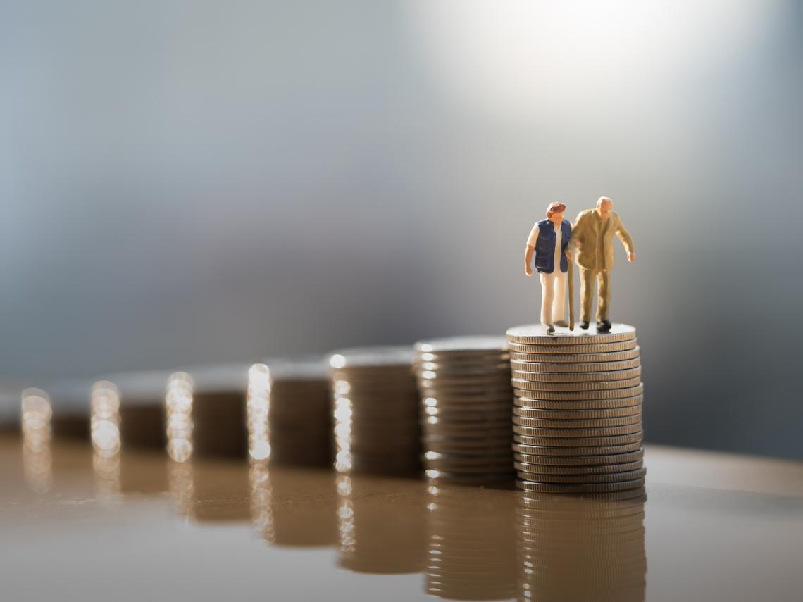 退休金多少才夠用》3張表幫你算:如果沒賺錢,老本夠你吃幾年?
