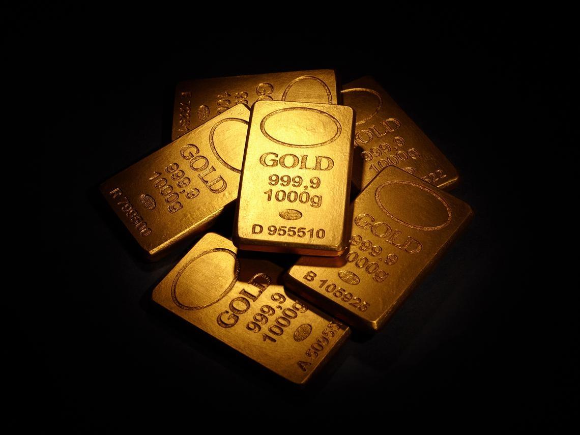 金價漲多回檔,投資人該不該搶買?達人教你3招聰明買黃金