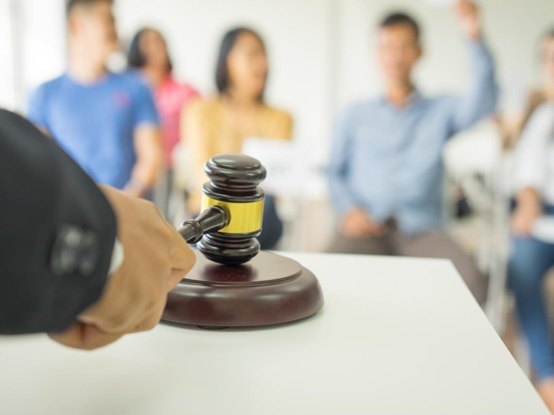 被前公司告違反「競業條款」,不想南北奔波跑法院,你可以這麼做…