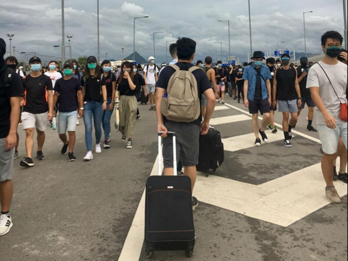 香港敦克爾克大撤退現場實錄》女司機告白:這輩子沒膽做的事,這陣子全做了