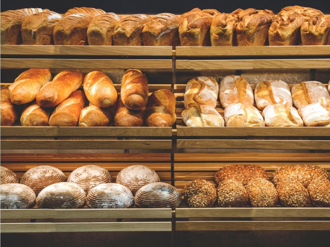 賣不完的麵包,最後都去哪了?從經濟學看:為什麼有些商品寧願扔掉也不打折