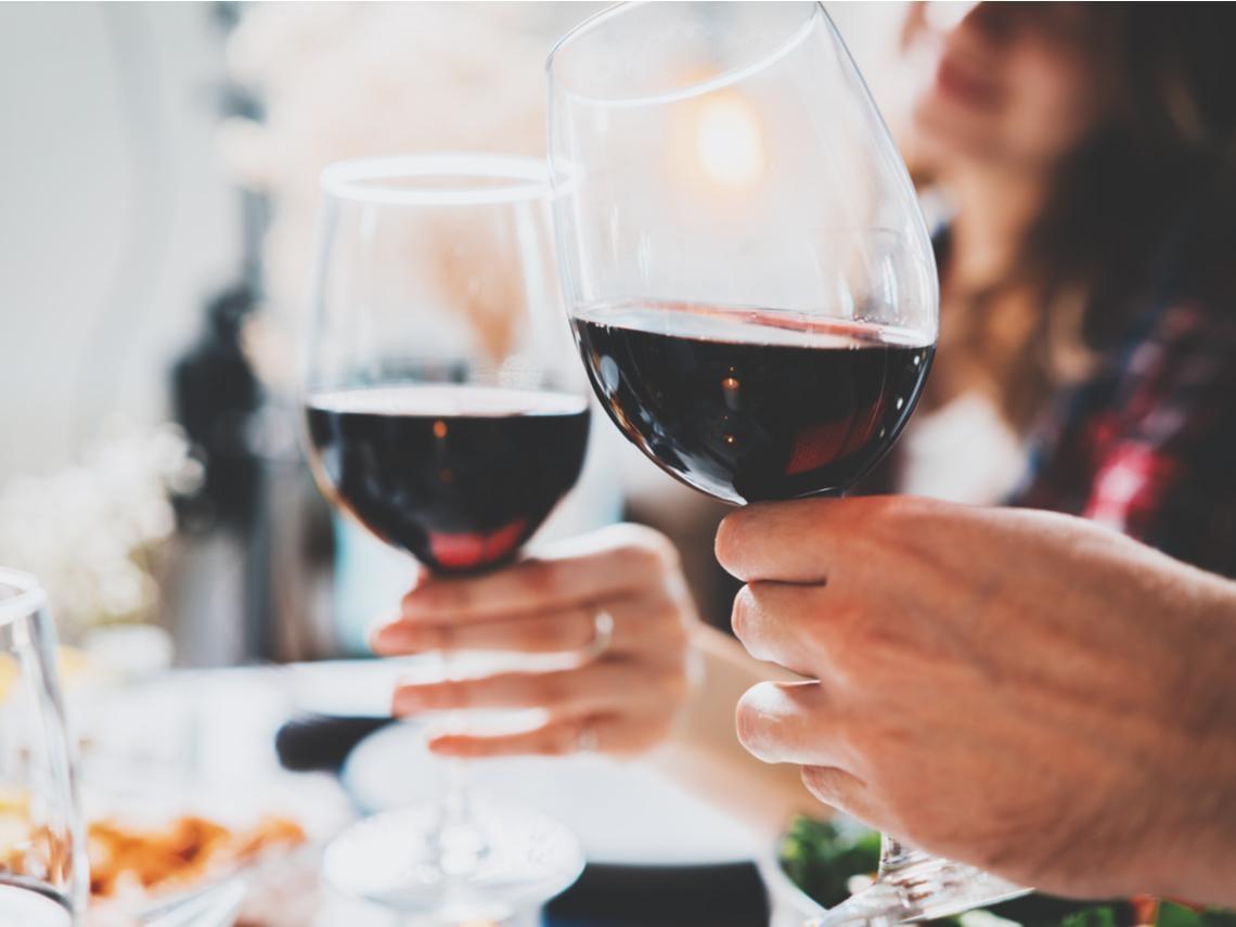 紅酒保護心血管?新研究警告:小心5種癌症風險
