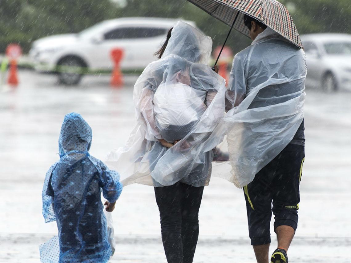 200億瞬間蒸發…台灣為「颱風假」付出的高昂代價:中國、香港與日本都怎麼做