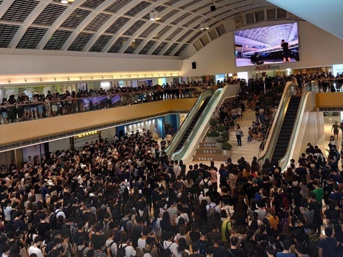 禁蒙面法上路》逾千港人宣讀「香港臨時政府宣言」 民間團體今下午3點發起全民蒙面遊行