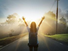 沒有所謂「完美的人生」,50歲後該自由了!面對不良關係,我們勇敢放手