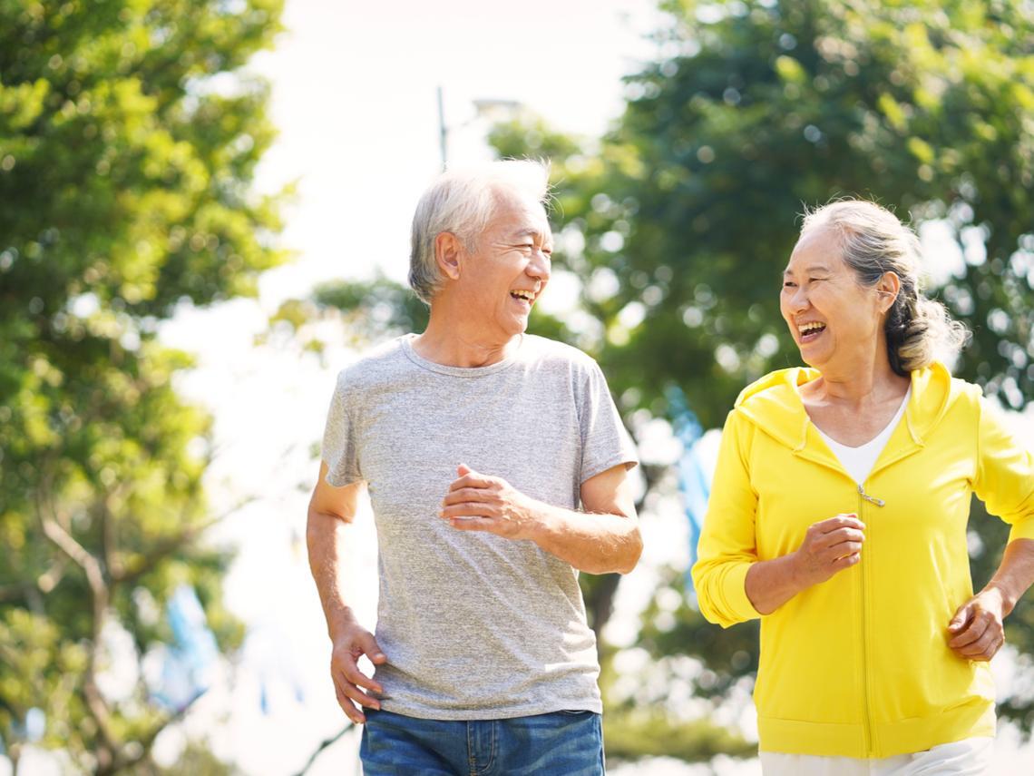 父93歲善終,母堅持不請外勞自理過日子!劉毓秀:不臥床的老後,子女自在「省錢」