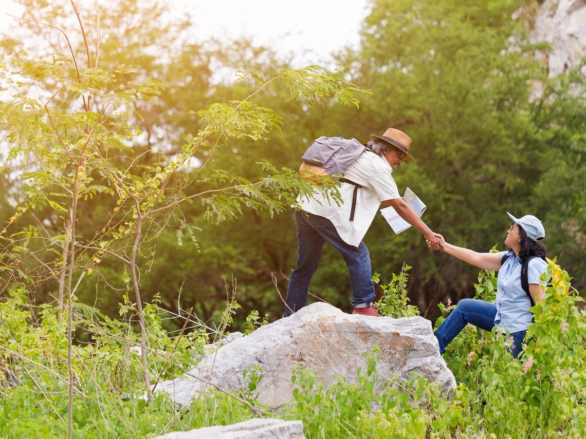 高齡長壽時代,富足快樂很重要!退休就靠2本存摺玩出幸福第二人生
