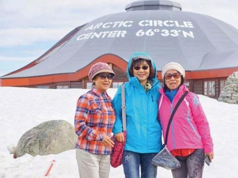 年過六旬,終於見到美麗冰湖!不管幾歲都能走遍世界、感受美好生活─我的北歐25天之旅