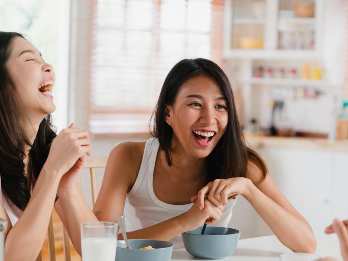 女人50後的智慧,在於懂得傾聽!每天10分鐘做「5個對話練習」,人生越走越輕盈