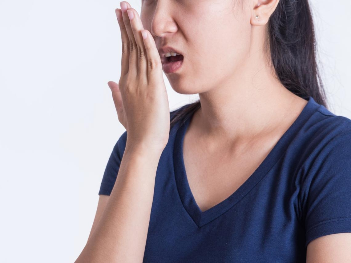 便祕的人容易有口臭?中醫4招趕走口臭、痔瘡、排便不順