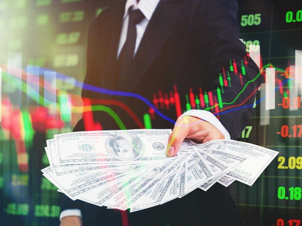 從台股狠狠賺1億!操盤30年,抄底大師教你抓住「股市底部」的11個關鍵訊號