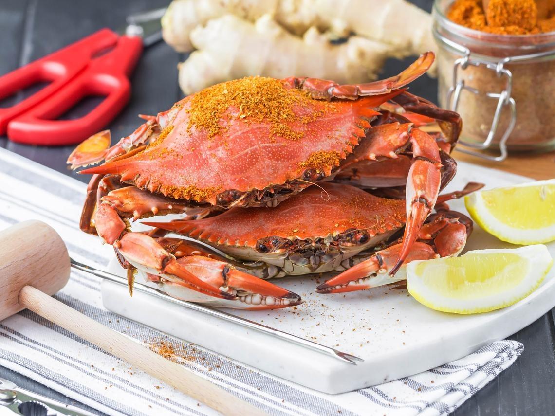 秋蟹季節到!吃螃蟹會升高膽固醇?中醫師警告:這4種人不適合多吃