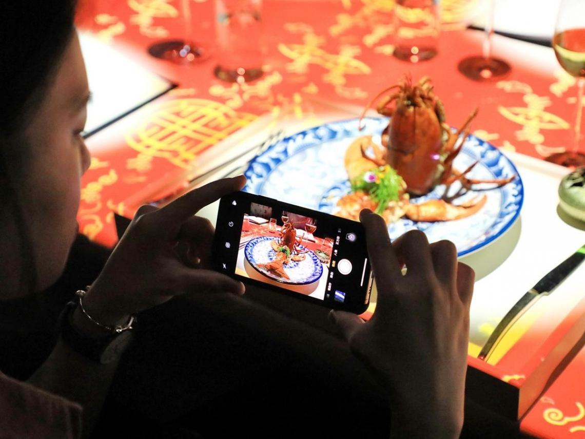 《台南晶英》府城出遊體驗全台唯一 3D裸視投影餐桌秀、住房搭配百萬名車試駕