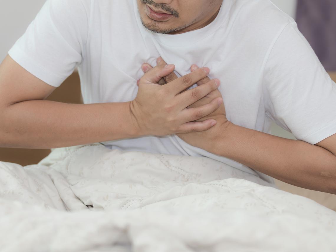 50歲醫生也心肌梗塞!中年後,沒有慢性病也可能血管塞住,溫差大這6件事要小心