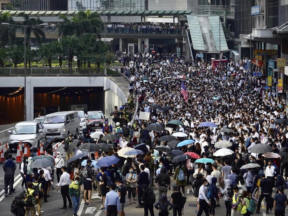 香港將在周末宵禁?中國官媒推特po文 半小時內速刪