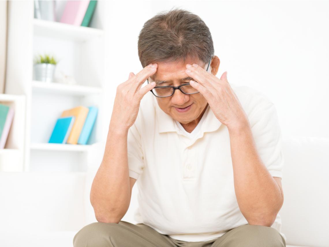 和鄰居聊天忽然口齒不清,原來是腦中風!注意中風常見7症狀