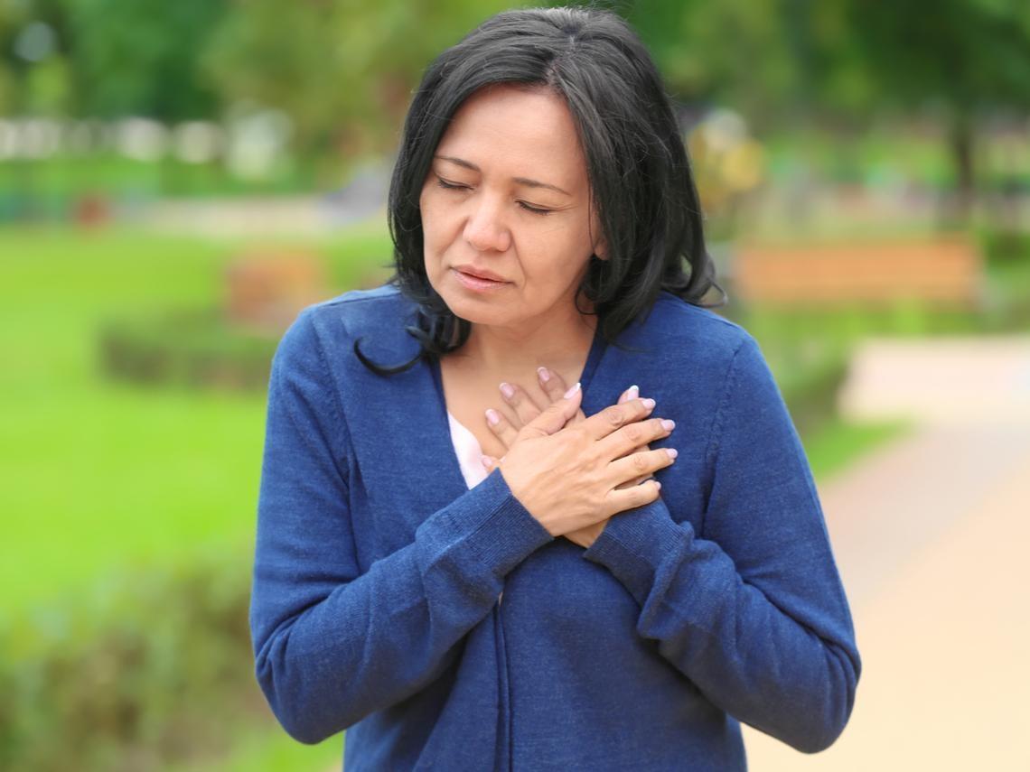 低溫注意!更年期女性易心肌梗塞,注意非典型4症狀、保暖8件事不可不知