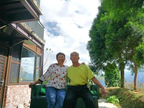 把家搬到高山上,夫妻快樂退休開民宿!第二人生「這樣過」,大小病痛竟不藥而癒