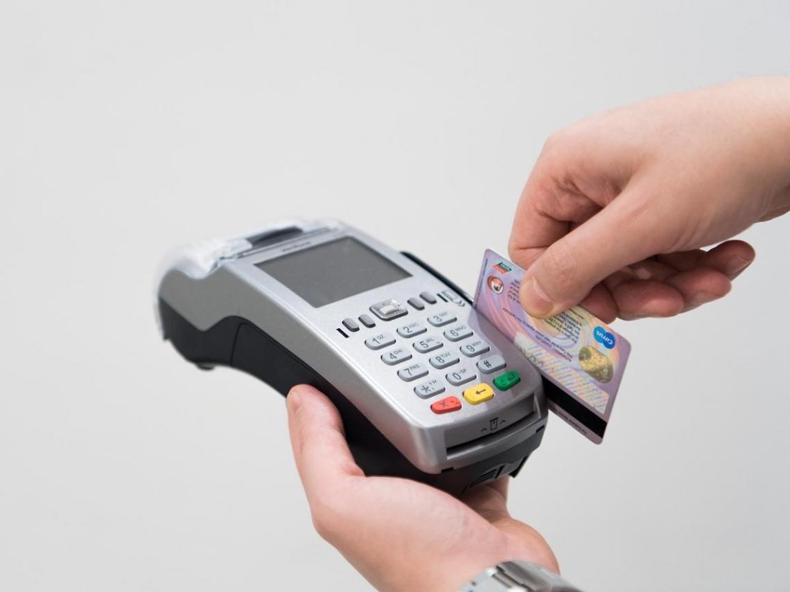 全家超商「拒店內刷卡繳費」惹民怨 金管會緊急介入給出解套方案