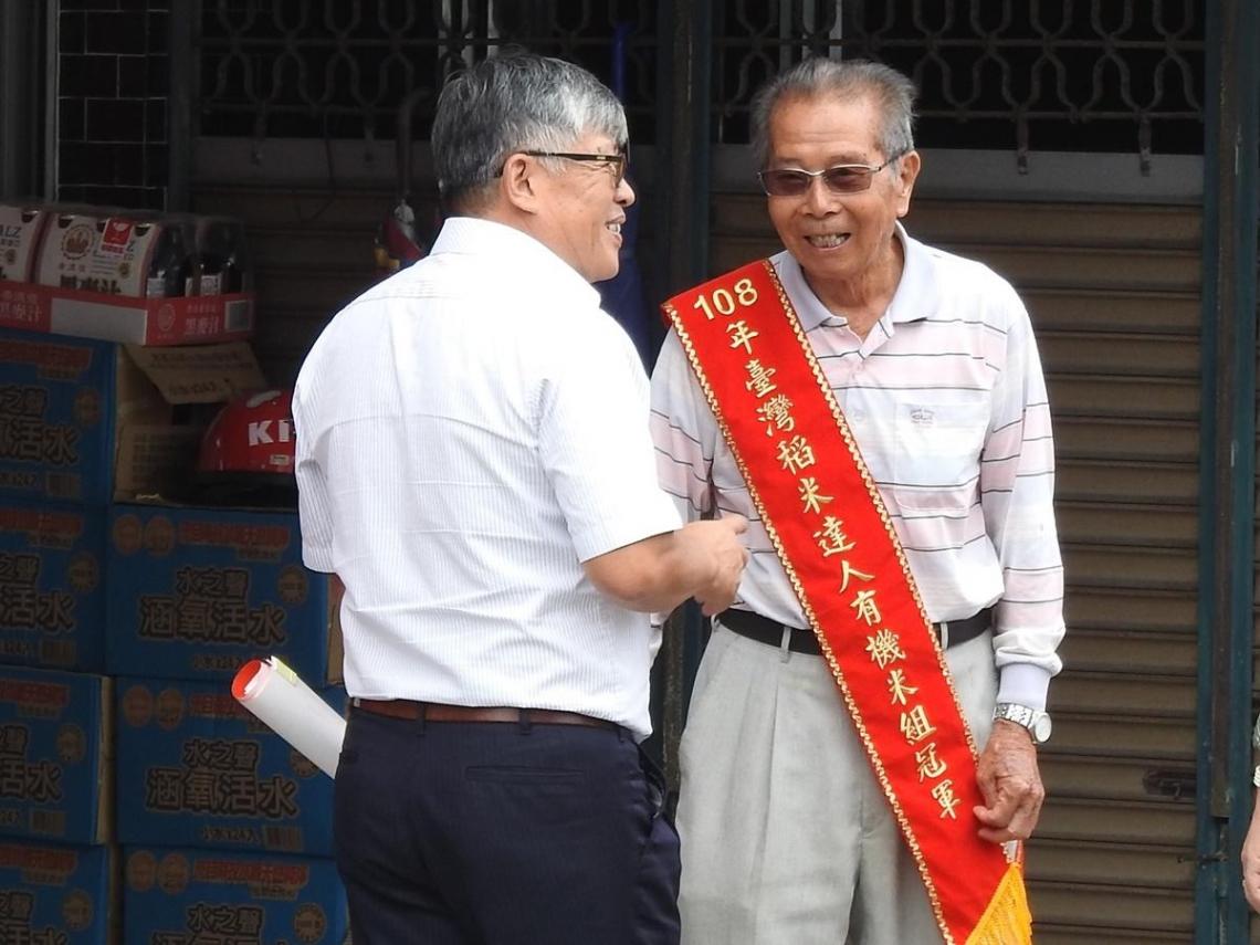 池上87歲老農「謝美國」夯到日本 稻米比賽勇奪金賞大獎