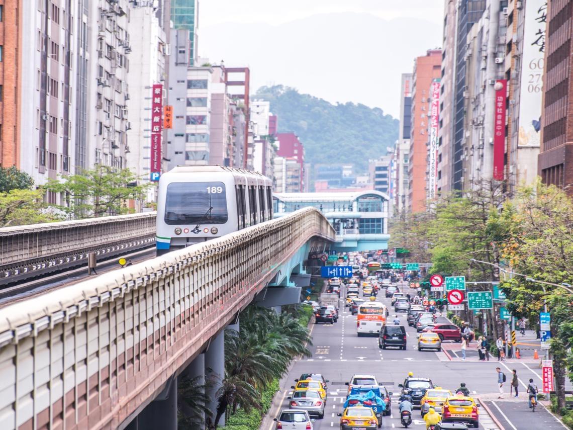 在台北市租屋,到底有多少困難?一張表看:整層住家、套房、雅房平均租金坪數
