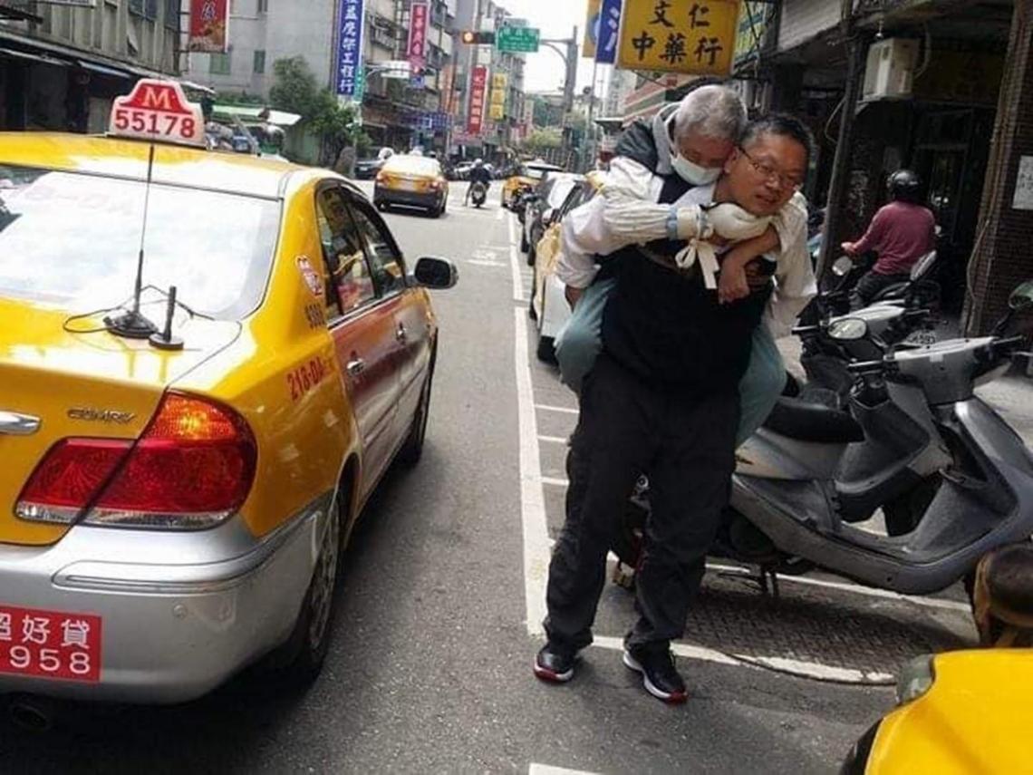 計程車司機每天背病患看診! 謝金河:景氣回升只屬於努力、勤奮、樂在工作的人