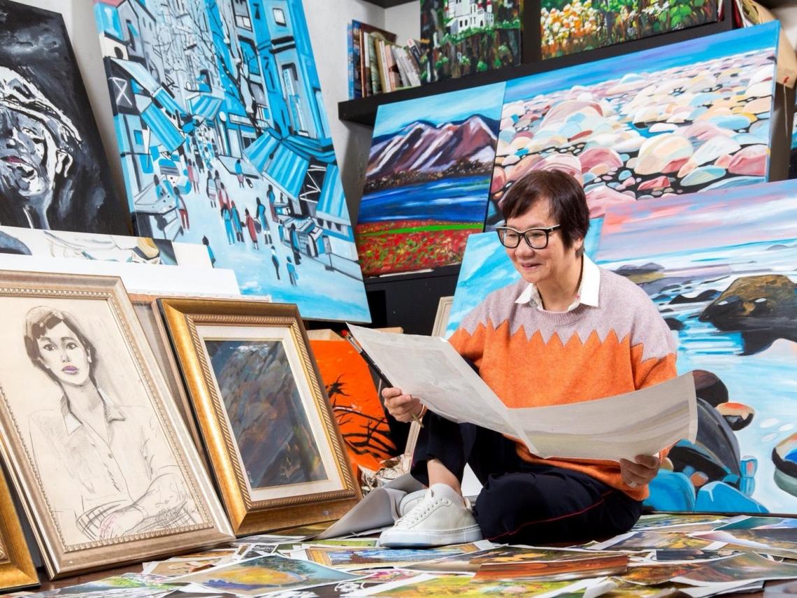 退休是圓夢的起點!無師自通、超愛享受一個人的畫畫時光,羅淑蕾這樣畫出快樂第二人生