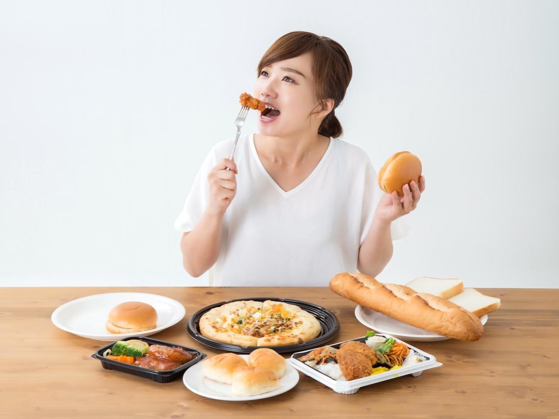 每天吃一點,胃癌風險大增18%!不只香腸火腿,這9種食物都暗藏致癌危機