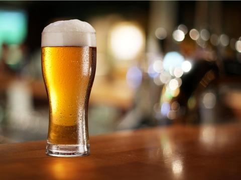 不只癌症、胃潰瘍、肝硬化 長期飲酒過量易引發失智症