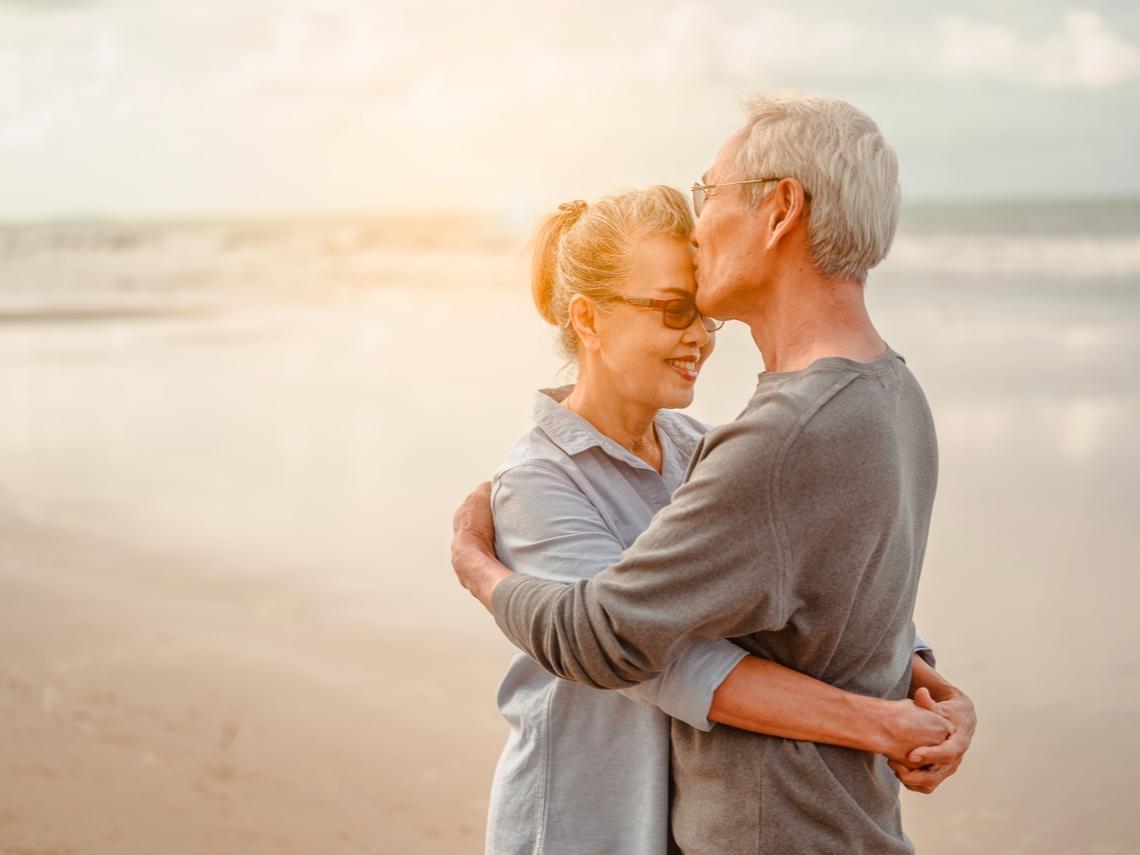 不得不佩服!105歲的奶奶還在找男朋友,沖繩長壽村的快樂秘訣,有「這2樣」才叫幸福!