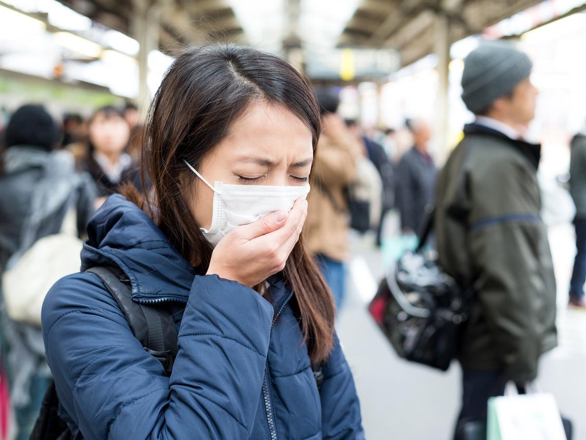 武漢肺炎》台灣首次出現本土病例、共8例確診!嚴防病毒,正確戴口罩4步驟要牢記