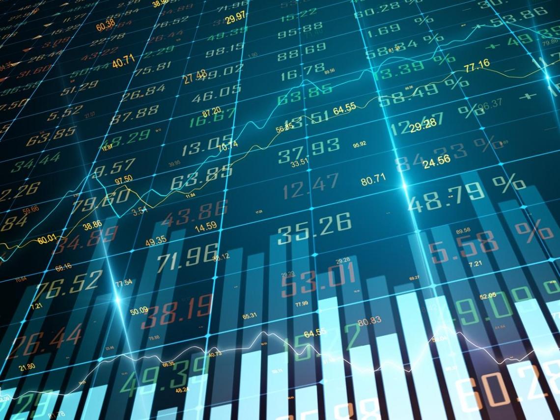 開低走低暴跌677點 10幾年發生一次的「風險」手中持股該賣掉嗎?