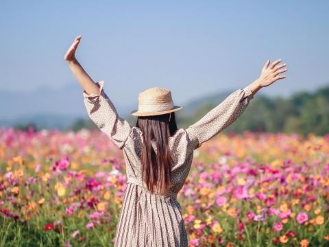 先愛自己,才有人愛你!無論單身或有伴,面對人生風雨、不給人添煩,才能真正被愛