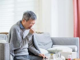 不菸不酒卻罹鼻咽癌?鼻塞、頭痛、耳鳴...醫師揭鼻咽癌7大症狀