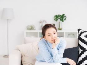 容易失眠、疲倦、沒精神,記性也變差?退休出現7大症狀,可能是老年憂鬱症