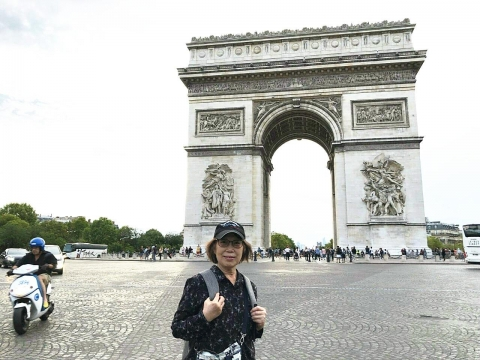 哈囉巴黎!她成功戰勝乳癌後,自助玩法國22天只花9萬:不要怕,想做的事就快去做