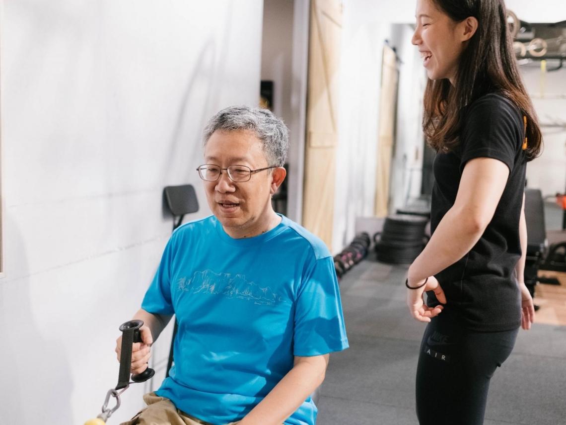五十肩痛到手舉不起來,針灸、打類固醇都無效怎麼辦?我用重訓成功復健