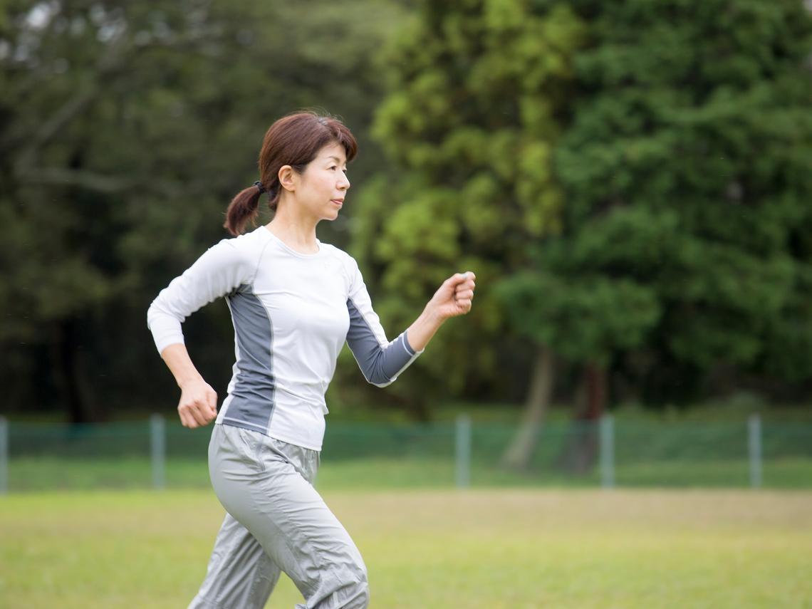 運動可以預防失智!有氧運動、肌力訓練效果好,日本專家再推「認知運動」