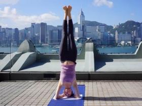 50歲也能容光煥發!打造健康身材、好氣色,名人指定瑜珈老師這樣「逆齡」