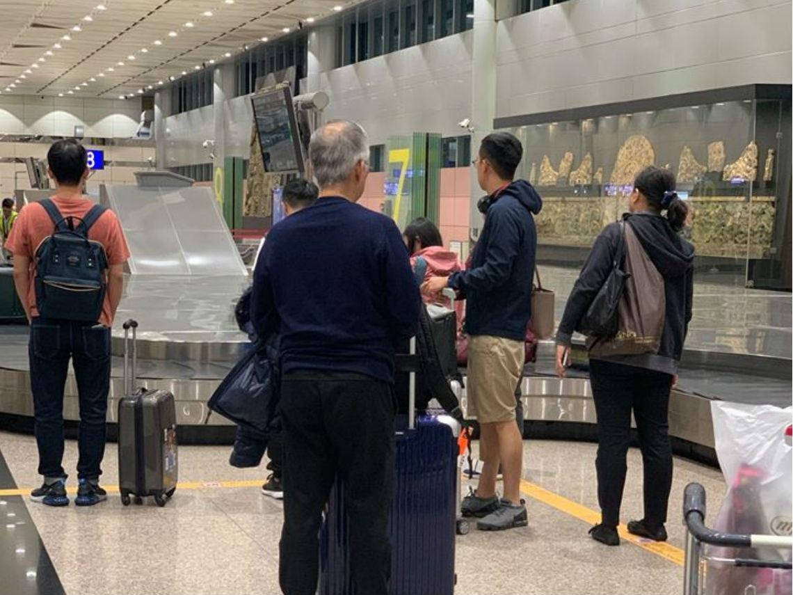 新冠肺炎》香港小開昔嫌台灣破又窮,逃命才想躲過來...機場的2個故事,讓她看清人性現實