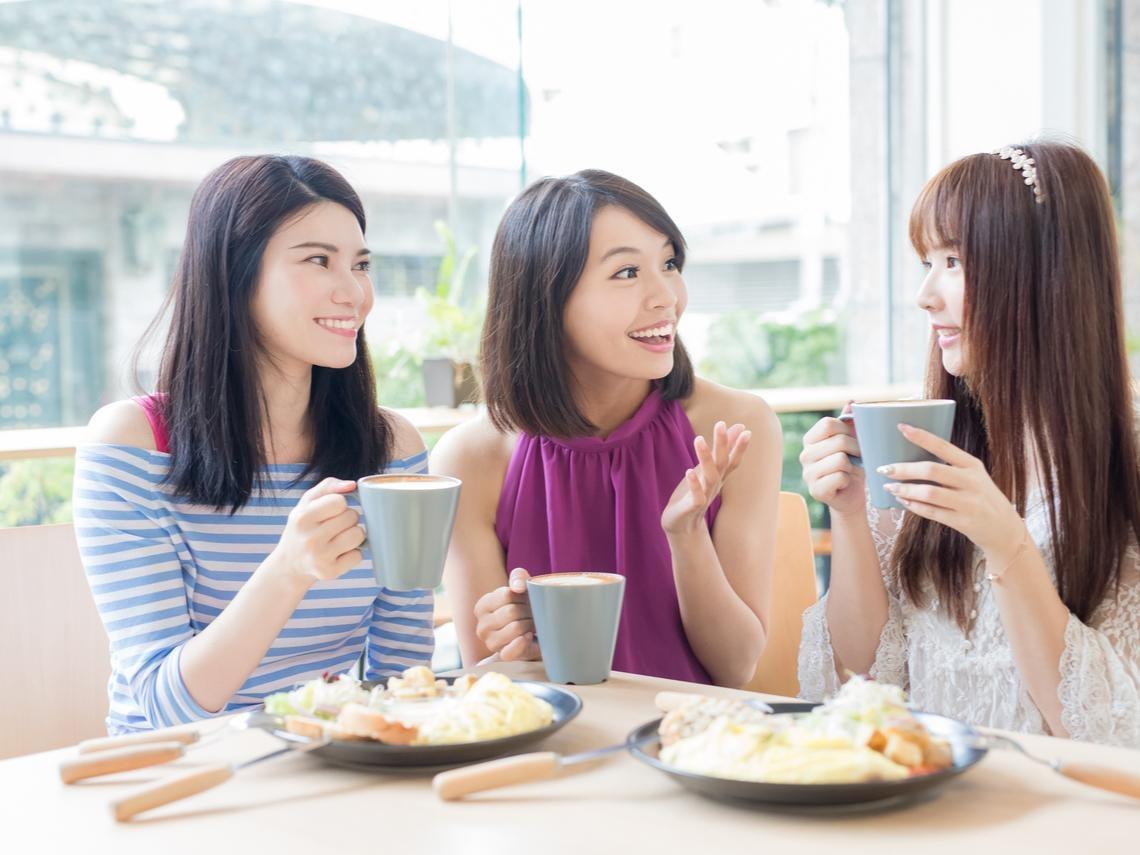 退休後要把聚餐「訂下來」!珍惜老同事、好朋友一起吃飯的機會,人生沒太多「下一次」
