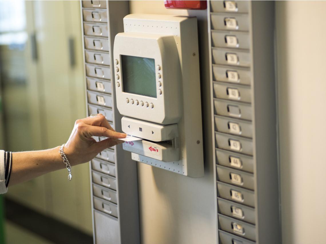 武漢肺炎》員工在家上班可以不打卡嗎?勞動律師告訴你:出勤紀錄要注意哪些事