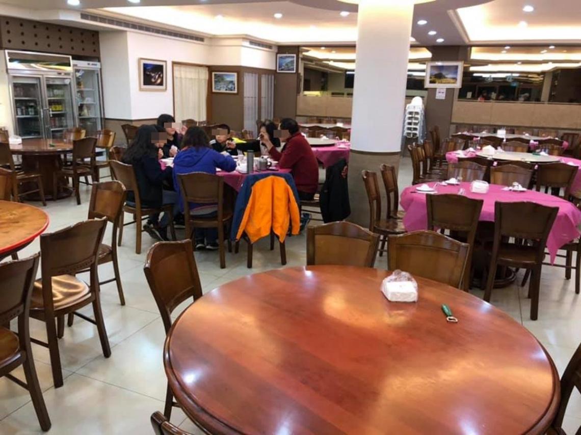 「平常難訂位的餐廳,只剩2桌在用餐」 謝金河:武漢肺炎影響內需消費很大