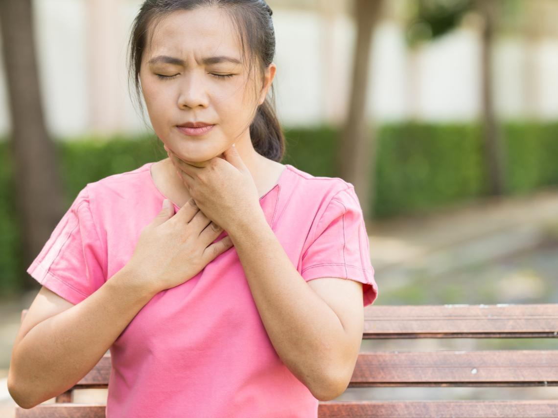胸悶、喘不過氣,原來是甲狀腺結節惹禍 醫師:頸部出現腫塊應就醫