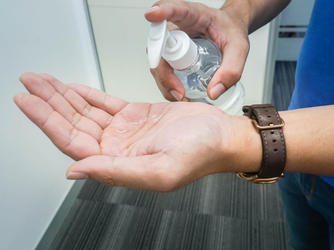 酒精、漂白水、次氯酸水,哪個消毒效果好?對人體有害嗎?醫師詳解!