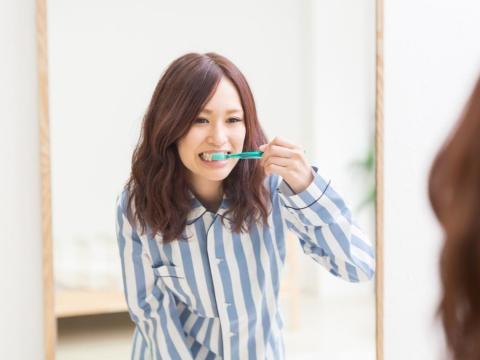 40歲後好發牙周病!出現3症狀未就醫,牙醫師:容易增加失智症風險