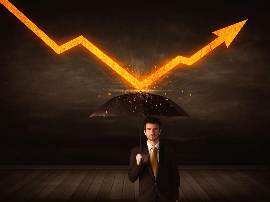 連4次進場後股市就崩盤!一個倒楣股民的致富故事:他34年「死都不賣」,600萬翻成3千萬