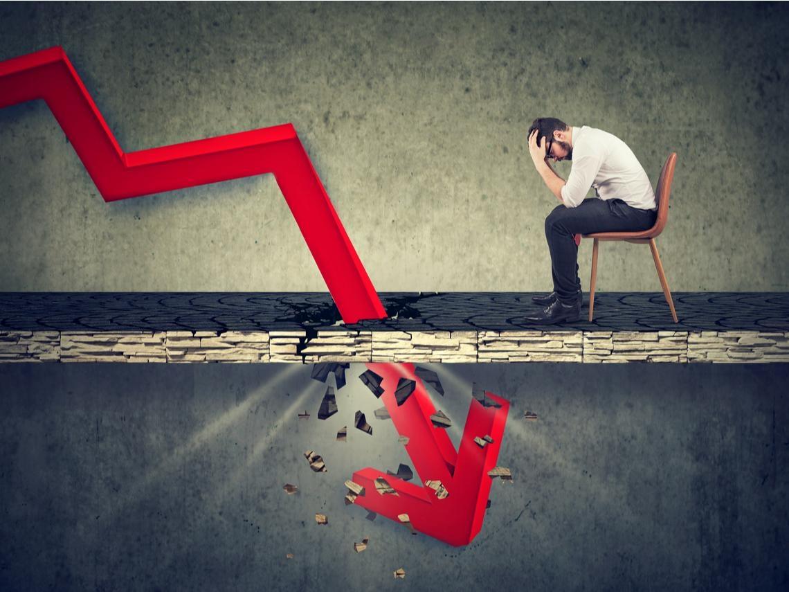 倒閉失業潮襲來、銀行呆帳風險驟升,金融股還能存嗎?一張表整理符合3大選股條件的5檔金融股