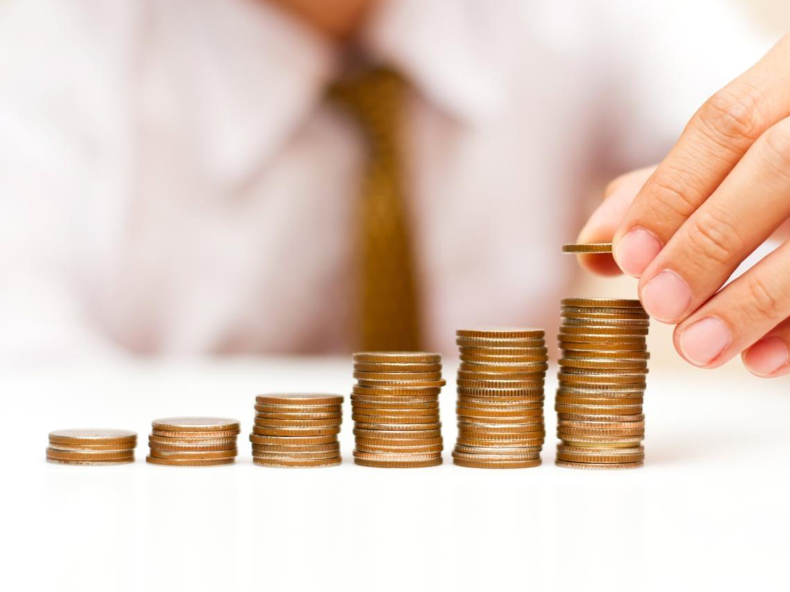龍頭股獲利就是狂!這檔基金4%股息月月領,還能省補充保費,大老闆、公司高管都買單